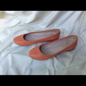 Never worn Vince Camuto Flats.